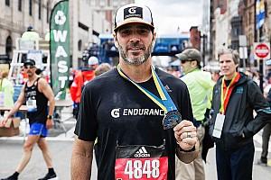 """""""Kann kaum noch gehen"""": Jimmie Johnson nach Boston-Marathon"""