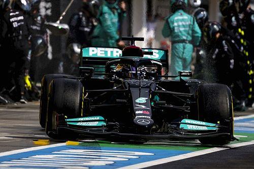 Retroscena Mercedes: ecco perché Hamilton è rimasto solo in griglia