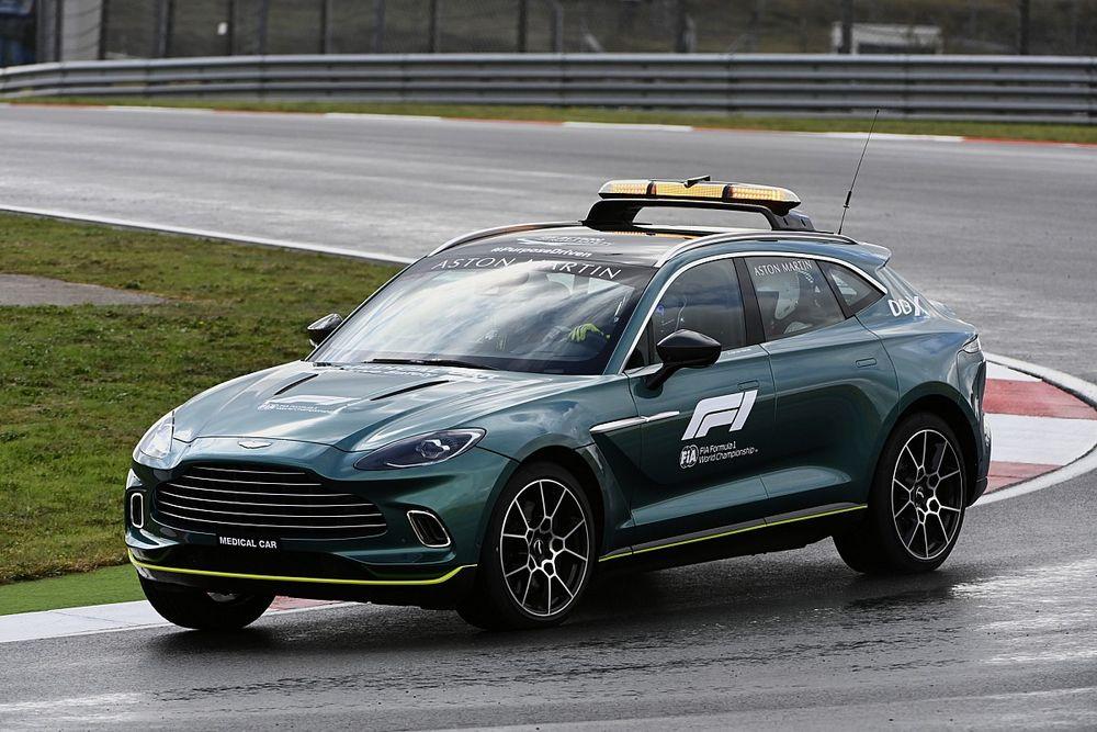 Kihagyja az év utolsó versenyeit a Medical Car sofőrje