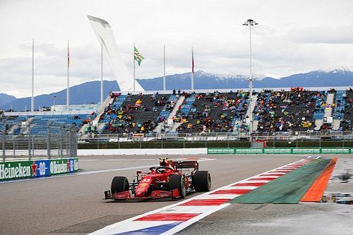 Carlos Sainz Start Baris Terdepan Pertama