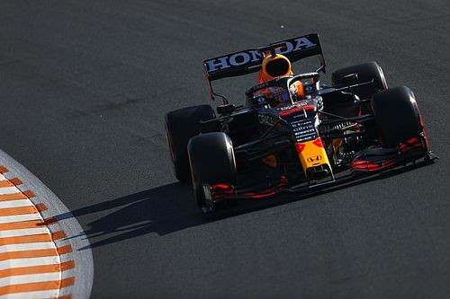 """F1: Saudado como herói pelos fãs, Verstappen diz que vencer em casa é """"incrível"""""""