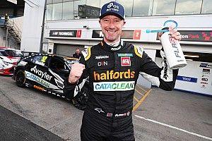 Donington Park BTCC: Shedden scores first pole of 2021 by 0.033s