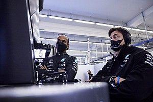 Toto Wolff Pusing Pikirkan Strategi untuk Lewis Hamilton