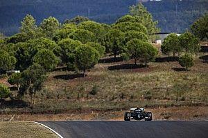 Mercedes domina una complicada FP1 del GP de Portugal