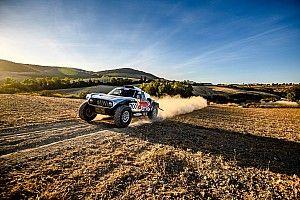 Dakar 2021: Sainz y Roma encabezan una reducida lista provisional de inscritos