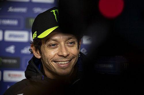 """Rossi cita Cristiano Ronaldo e Ibra para elogiar """"olho bom"""" do coronavírus"""