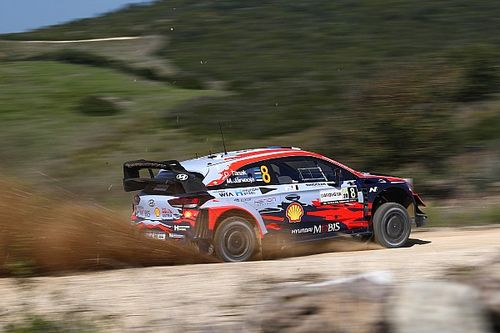 WRC, Rally Italia, Shakedown: Tanak su Evans. Rovanpera capotta