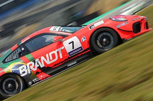 Porsche Carrera Cup: Miguel Paludo segura Enzo Elias e vence em Interlagos