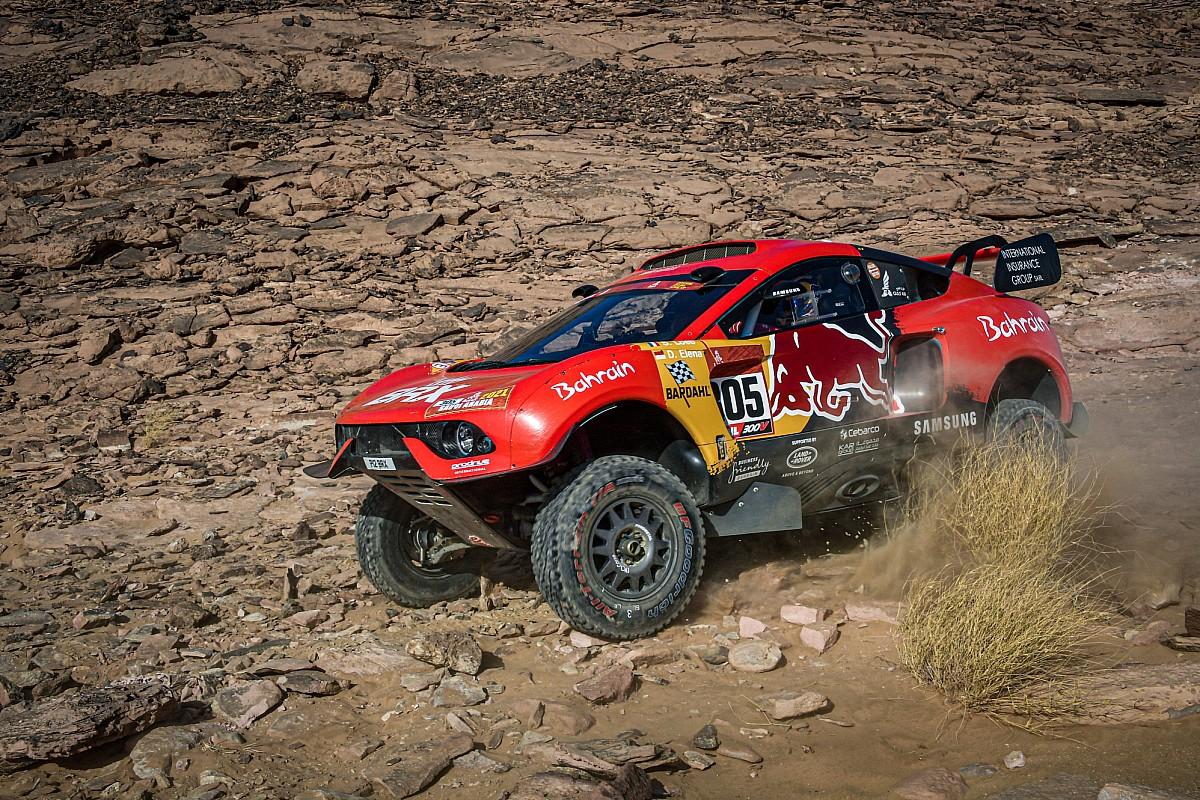 Sébastien Loeb dice adiós a sus opciones de ganar el Dakar 2021