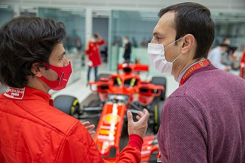 F1: Sainz experimenta simulador da Ferrari pela primeira vez