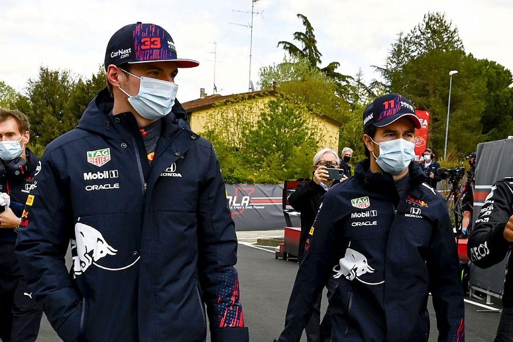 "Irvine: ""Verstappen ya demostró que Pérez no podrá con él"""