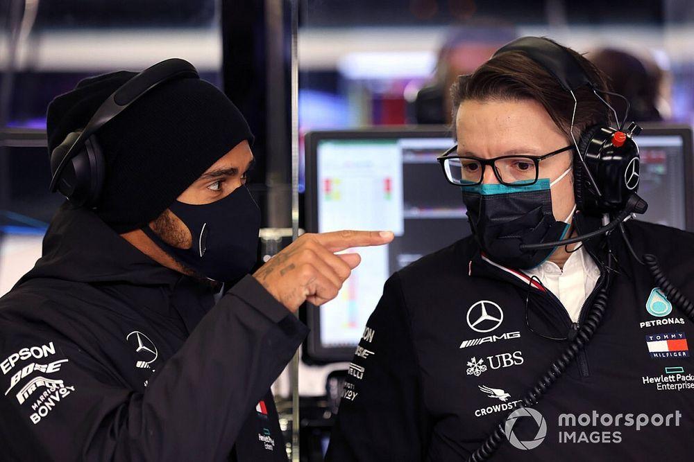 """Hamilton: """"Vi racconto quello che non si vede in un mondiale"""""""