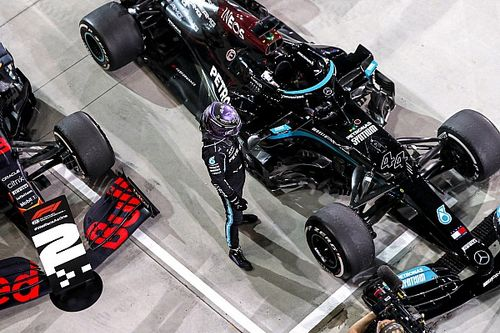 CEO da F1 esclarece que vitória na corrida de sábado valerá pole position