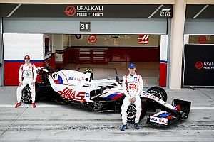 Haas formally launches VF-21 F1 car in Bahrain