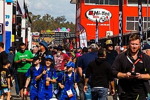 Supercars re-opens paddock to fans