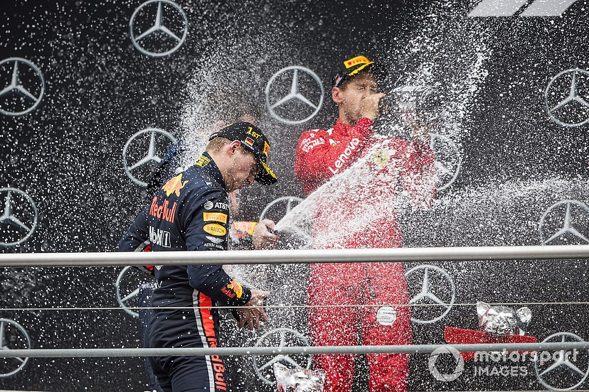 L'année 2019 se termine, alors champagne!