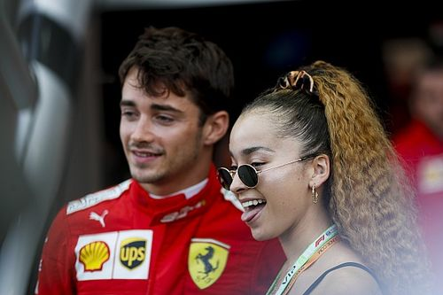 Leclerc-és Ferrar-siker Szingapúrban az időmérő előtt