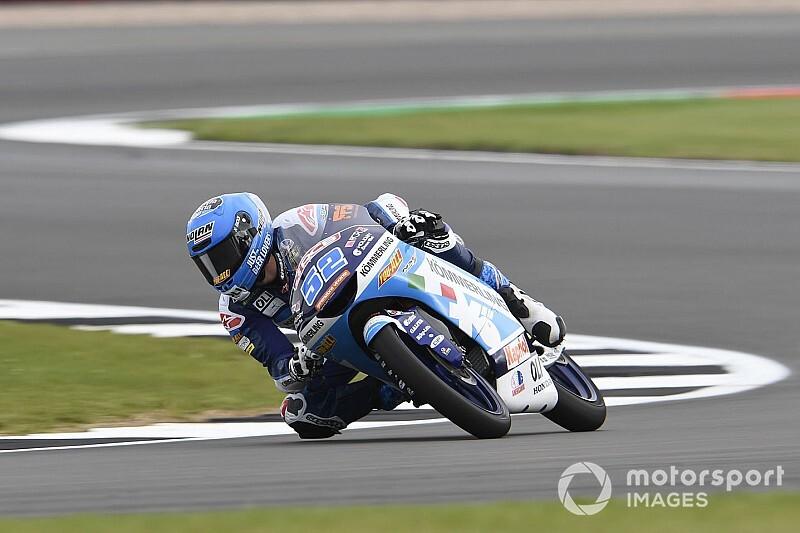 Gresini anuncia el fichaje de Alcoba para su equipo de Moto3