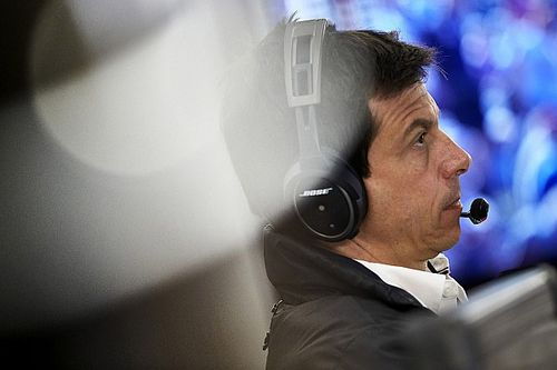 """Wolff punge: """"5"""" alla Ferrari a Monza? Ci sarebbe servita la scorta"""""""