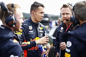 Реакция: Элбон влюбил в себя Red Bull – и вот результат