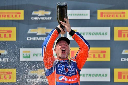 "Stock: Barrichello celebra triunfo ""especial"" 10 anos após vitória final na F1"