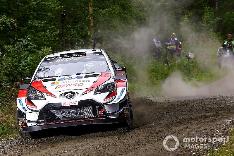Tanak y los Toyota arrasan en la mañana finlandesa