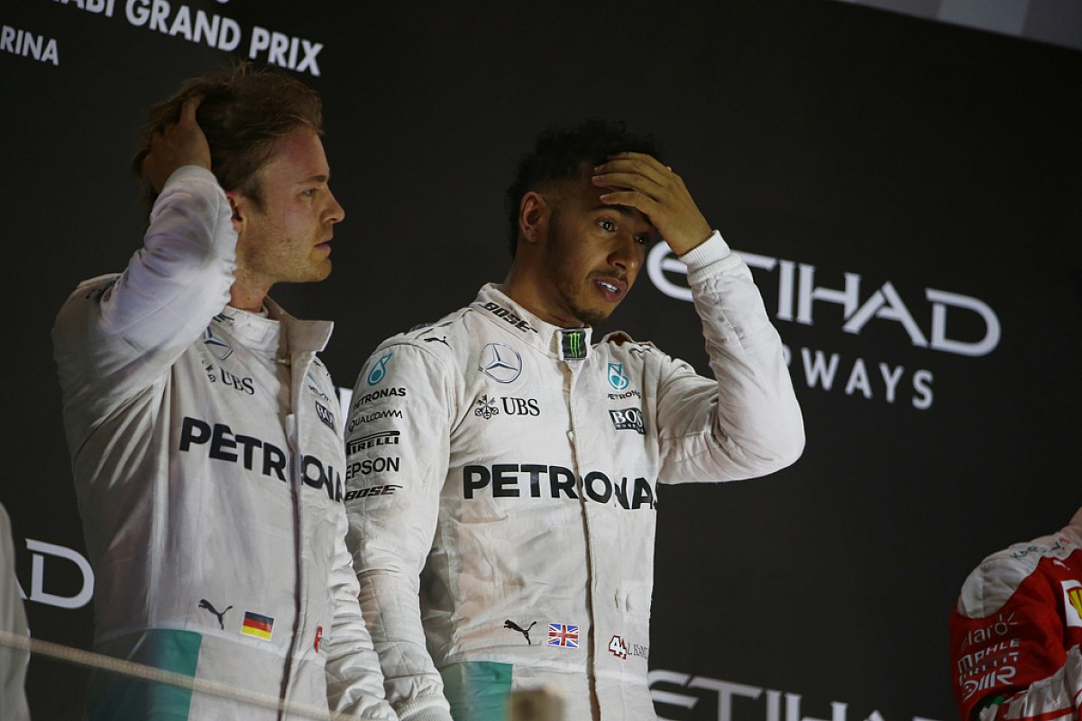 Rosberg: Nem jársz jól, ha Hamilton ideges