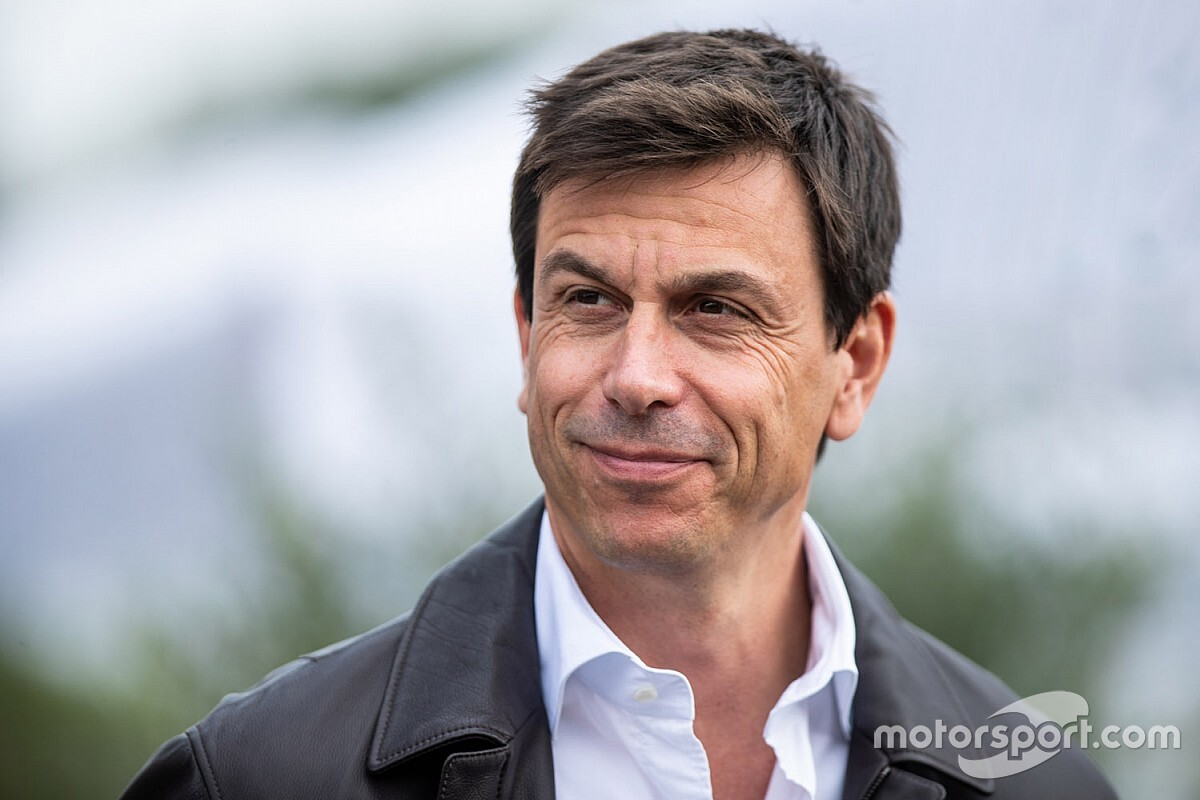 "Wolff ""didn't believe Formula E could make it"""