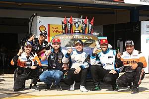 Com pouca experiência na pista, líder da Porsche revela evolução e ajuda de Átila Abreu
