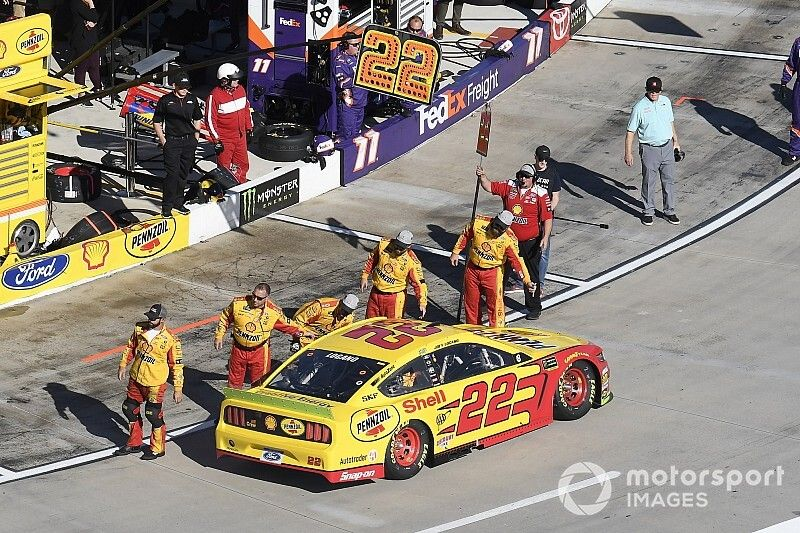 Logano's tire specialist suspended for Martinsville fight