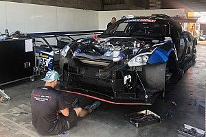Bathurst: KCMG ritira la Nissan #35 dopo il botto di Burdon