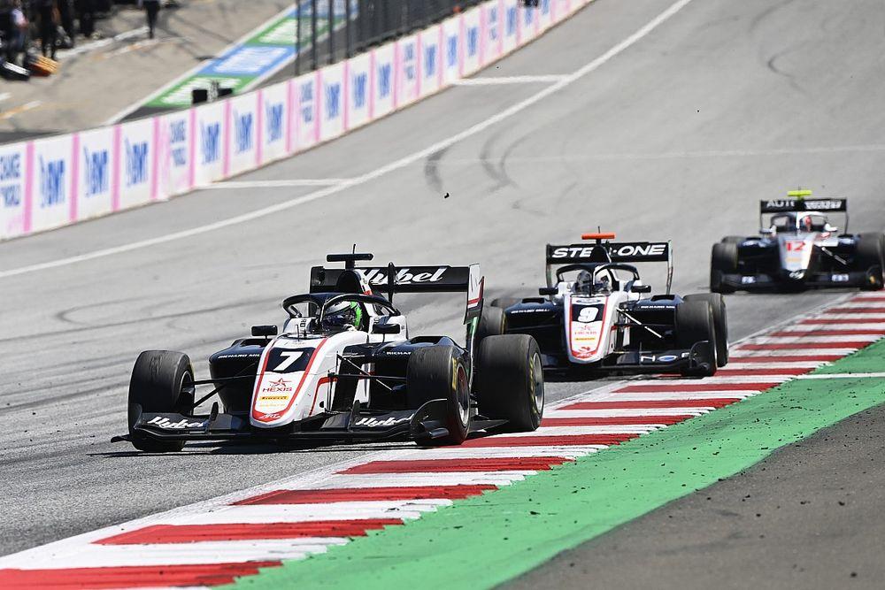 Vesti siker, óriási Leclerc-baleset az F3 mai futamán