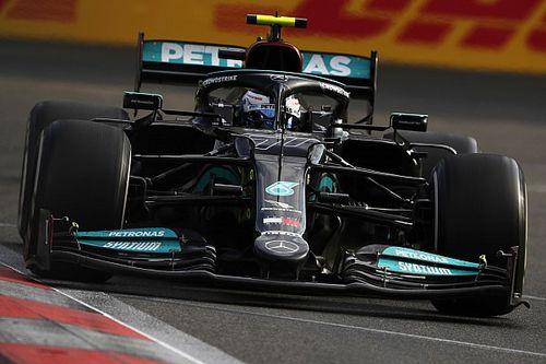 Autót cserél Hamilton és Bottas