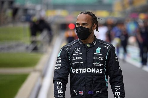 """Hamilton """"amazed"""" by F1's support against racist abuse online"""