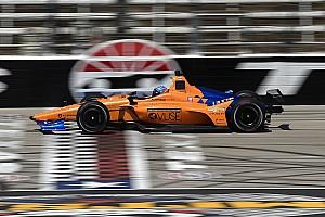 """Alonso weet na Indy-test in Texas: """"Het zal dit jaar lastiger zijn"""""""