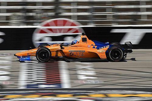 Алонсо готовится к Indy 500: галерея с тестов в Техасе