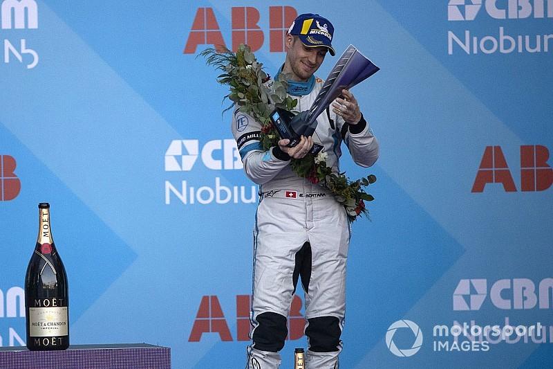 «Дед Мороз существует!» Хаос на последнем круге гонки Формулы Е заставил Мортару поверить в чудеса