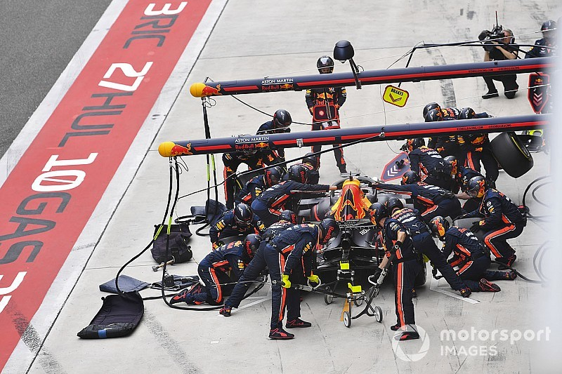 Horner prijst Verstappen na 'uiterst volwassen' race in China
