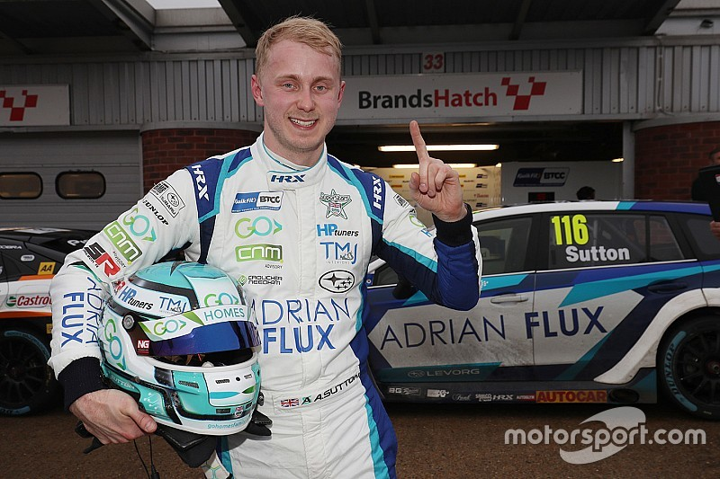Brands Hatch BTCC: Sutton takes pole on damp track