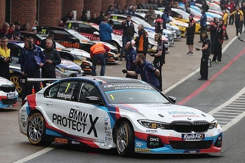 Donington BTCC: Dominant Turkington takes pole by six tenths