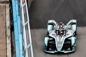 Evans wint chaotische Rome ePrix na lange onderbreking