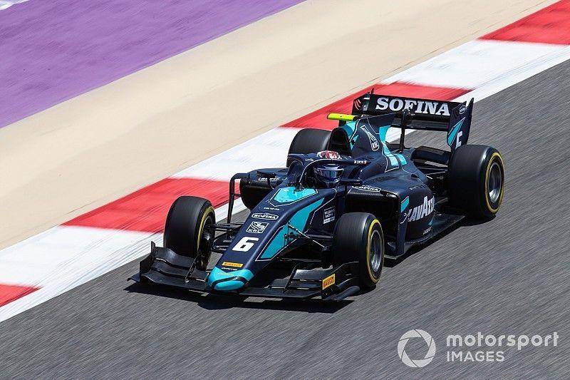 Латифи выиграл первую гонку сезона Ф2, обогнав трех соперников за три круга