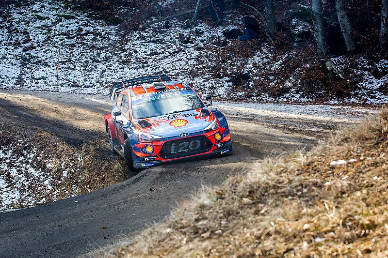 Monte Carlo WRC: Neuville sets up Ogier showdown