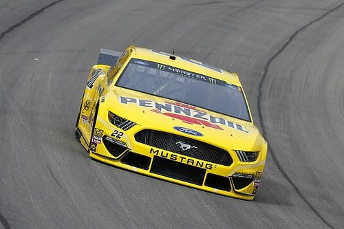 Joey Logano fends off Harvick for Stage 2 win at Las Vegas