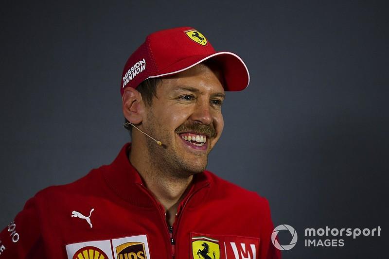 Vettel túl lassan vezetett Bahreinben: ennek ellenére megtarthatja a 2. rajthelyét