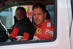 Vettel bate Ferrari na manhã de testes da Fórmula 1 em Barcelona