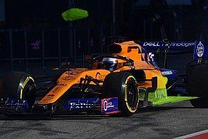 A McLaren vezeti a hatodik tesztnapot, Vettel falnak ment a Ferrarival