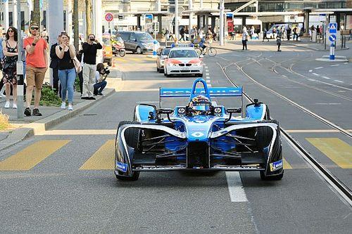 Fotogallery: Sébastien Buemi sulle strade del centro di Zurigo