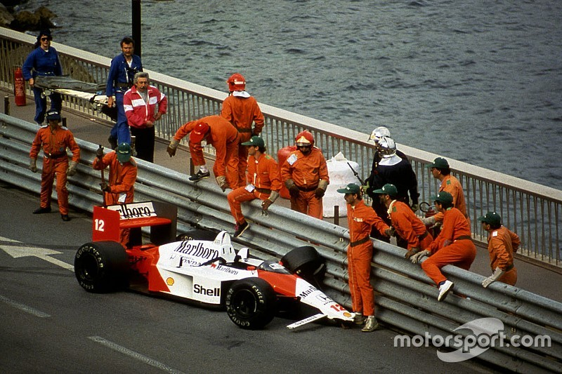 Ex-chefe revela choro de Senna após batida em Mônaco-88
