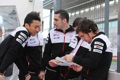 "Alonso now ""one of the lads"" at Toyota - Davidson"